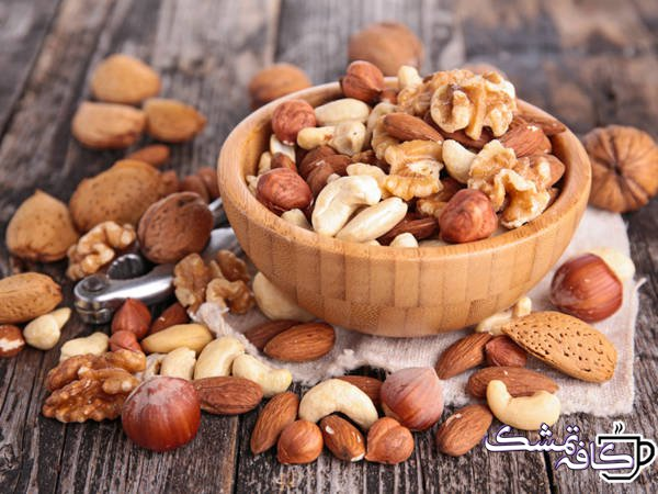 AN141 Nuts In Wooden Bowl 732x549 thumb - 15 غذای مفید برای حفظ سلامت قلب