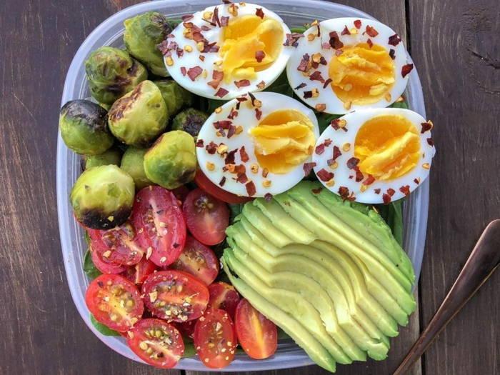بخورید و لاغر شوید ، در این مطلب یاد میگیرید چطور با خوردن وزن کم کنید