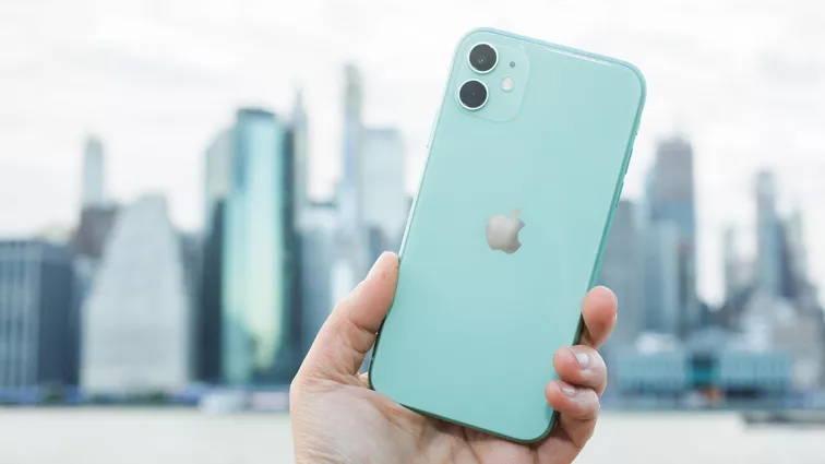 Apple iPhone 11 - بهترین گوشی سال 2020